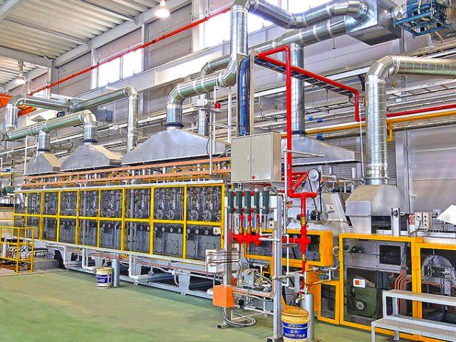 連続炉を通じて、オンリーワンの優れた製品を創り出す「技術者集団」です。